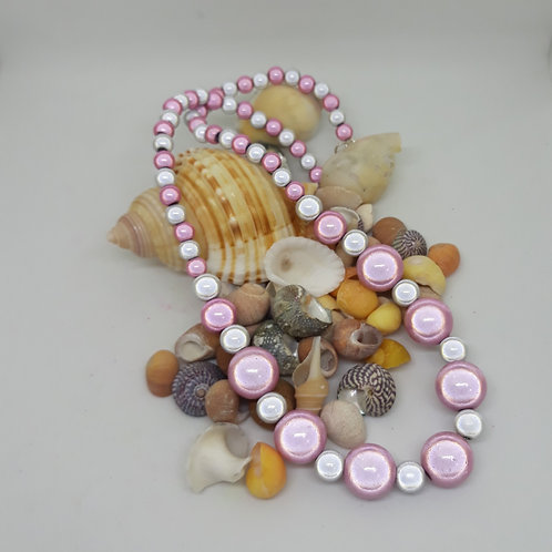 Graduated miracle bead necklace