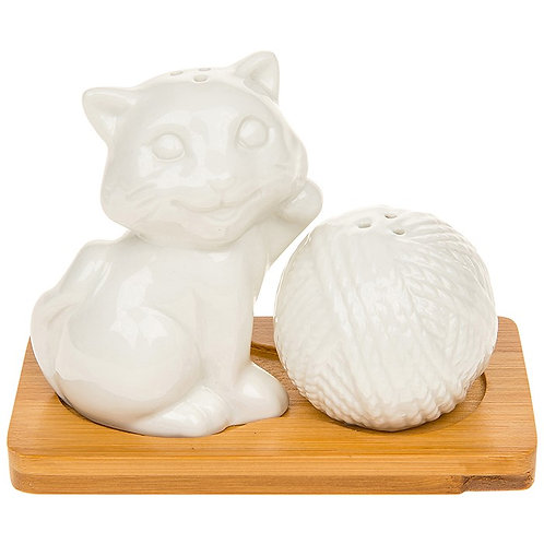 Cruet set, Kitten with ball of wool