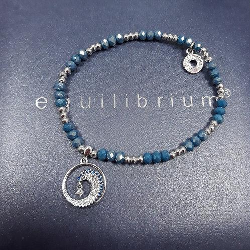 Blue Elaborate beaded bracelet