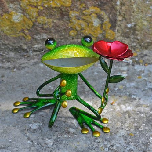 Garden ornament, proposal frog