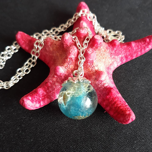Resin beach theme globe necklace