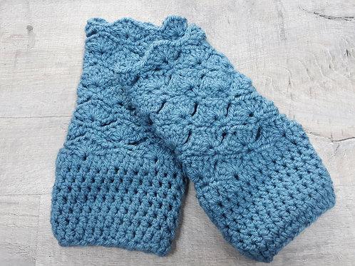 Blue chunky crochet fingerless gloves
