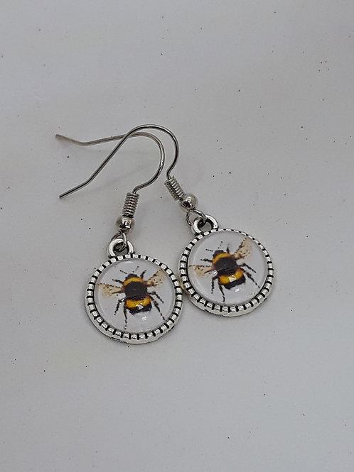 Cabochon bee drops