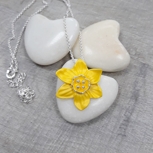 Daffodil penddant on chain