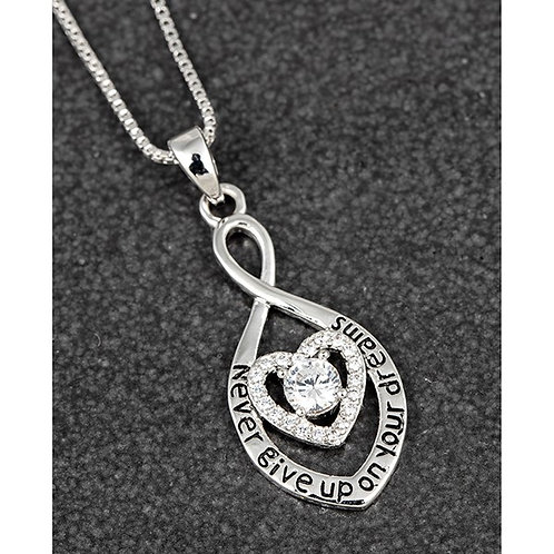 """heart necklace """"never give up on your dreams"""""""