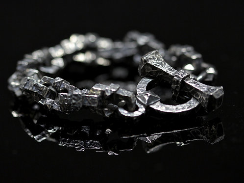 """Gravis Clavus"" bracelet"