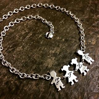 Collana con catena media e 4 bimbi cm.2