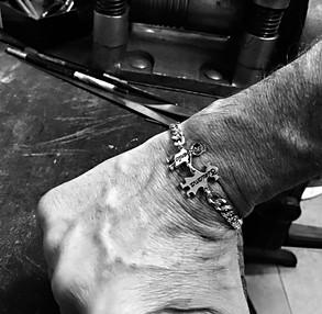 Bracciale uomo con catena Groumette e due bimbi cm.2 € 115