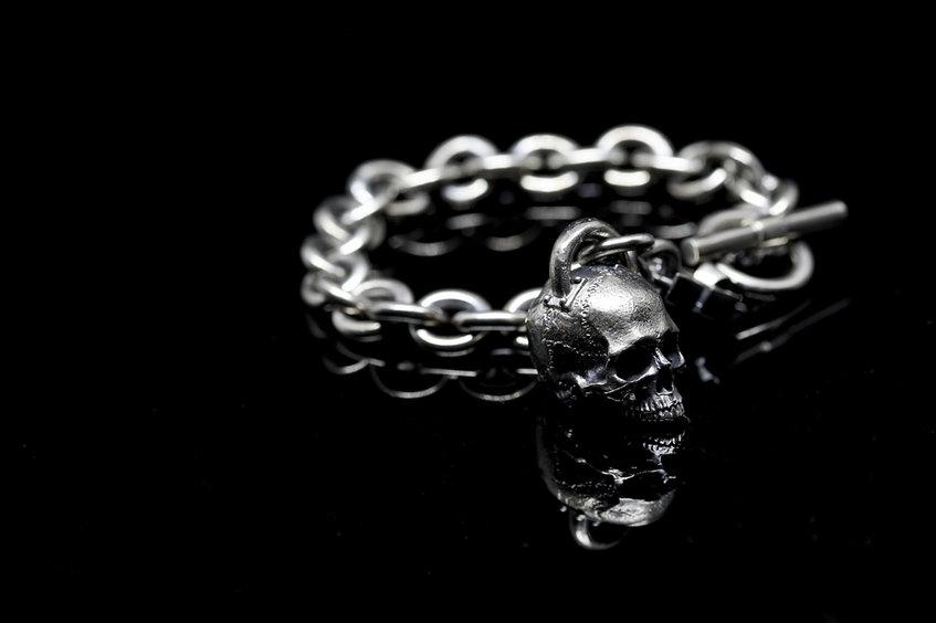 Skull bracelet pendant.