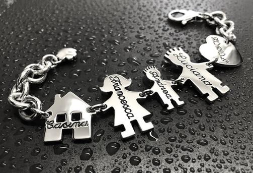 Bracciale con catena grossa, moschettone, casetta, mamma, bimbo cm.2, papà e cuore