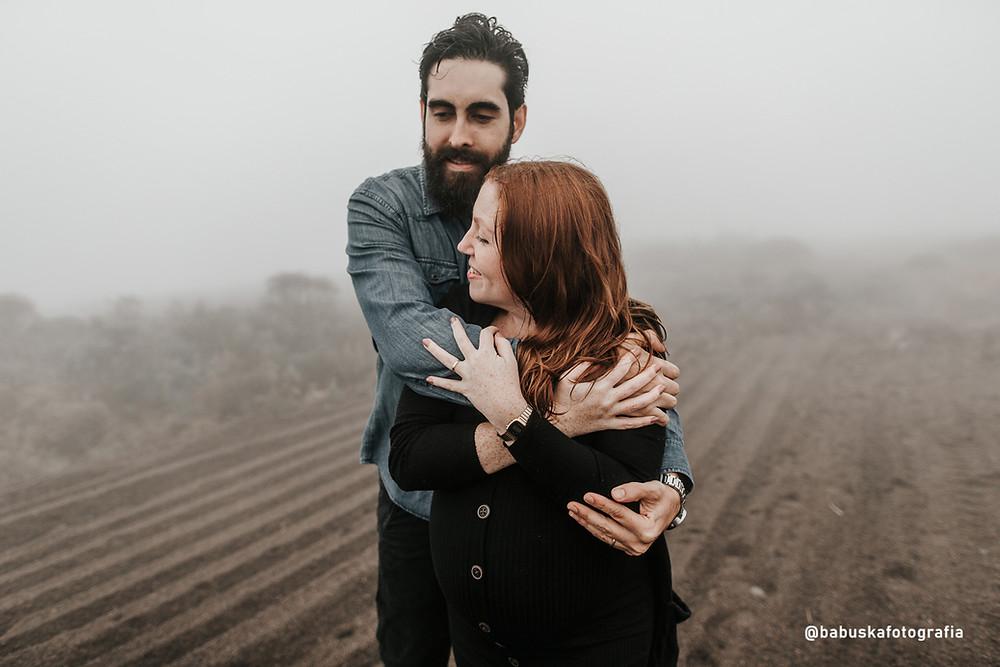Ensaio grávida na trilha - Fotógrafa Babuska