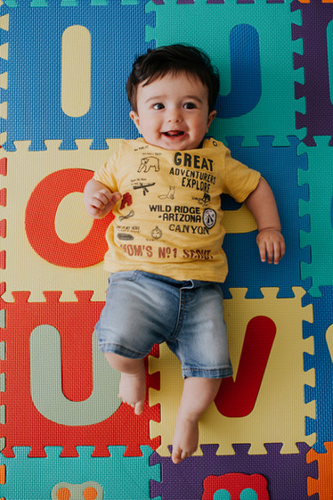 Pacote de ensaio fotográfico de acompanhamento do primeiro ano do bebê - Babuska Fotografia e Filme