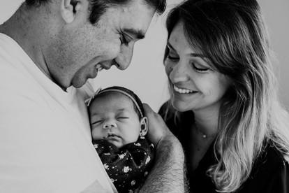 Ensaio recém-nascido lifestyle em casa em Florianópolis