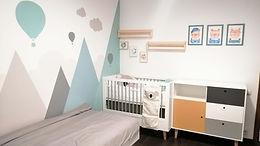 Dormitor pentru copil cu perete pictat