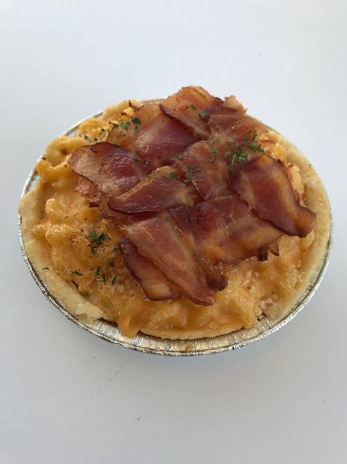 Mac 'N Cheese Pie - regular, with bacon lattice