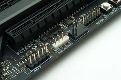 Twila RGB - 12V RGB Header