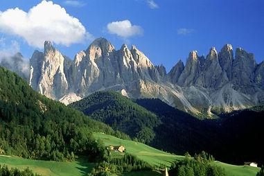 728_Val_di_Funes_Dolomites_Italy-square.