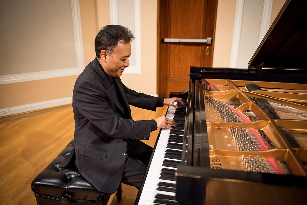 World famous pianist, Jon Nakamatsu on the piano