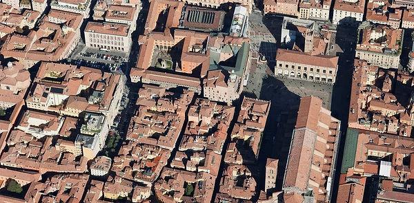 4b_ExtractOblique_Piazza%20Maggiore_edit