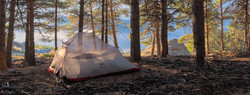 1200px-Tent_camping_along_the_Sulayr_tra