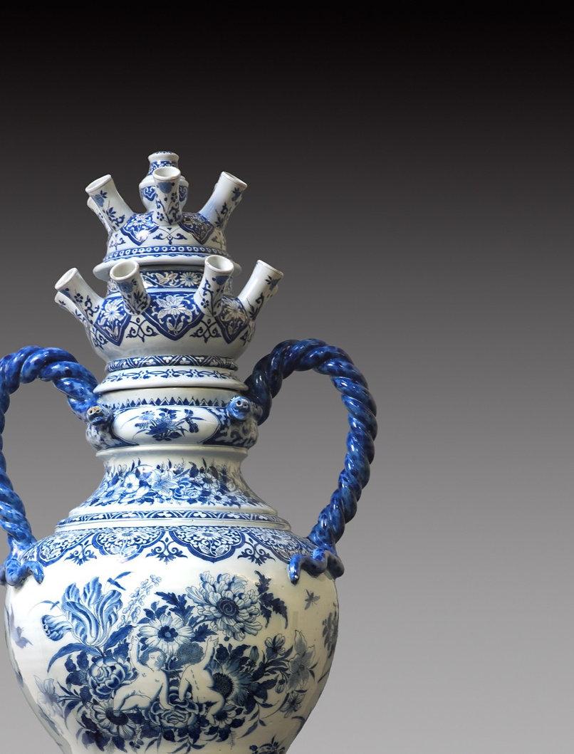 Delftware collectors ceramic tulip vase