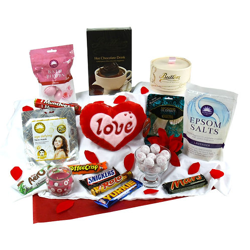 Valentines Pamper & Treat Hamper