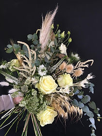 bridal bouquet of neutral tones, fresh and dried flowers