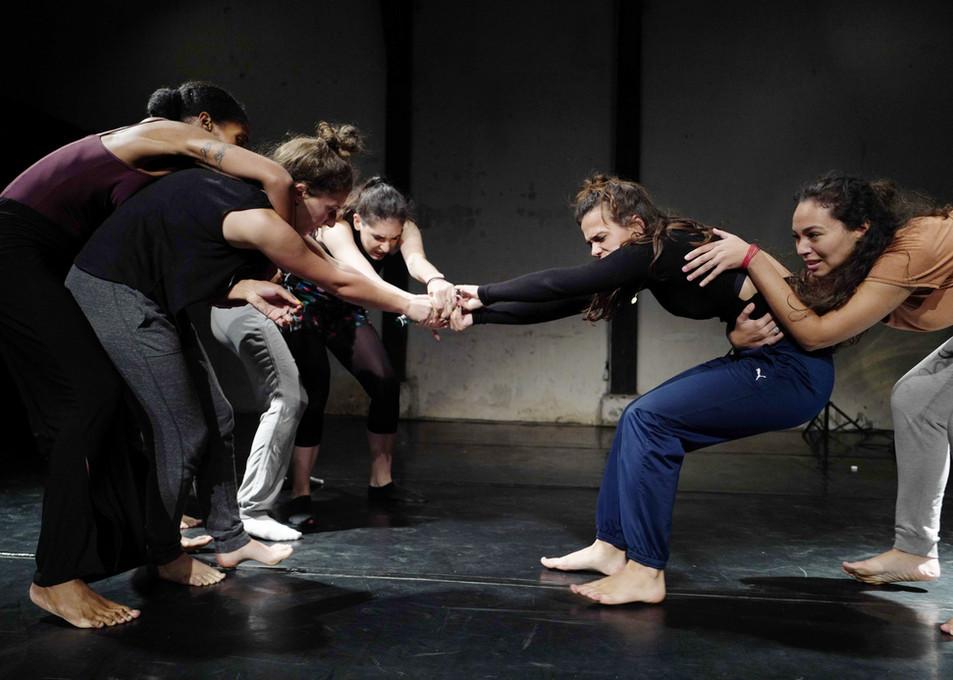 Chthulucène - ateliers avec des danseur.se.s en formation