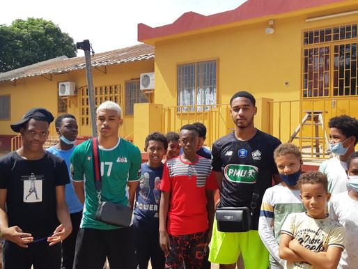Deux anciens élèves joueurs de football professionnel