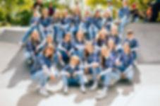Just Us. Gruppenbild Blau.jpg