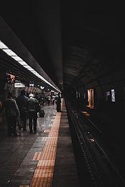 people-waiting-for-train-2977929.jpg