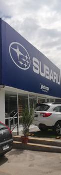 Lienzo con bastidor para punto de venta Subaru