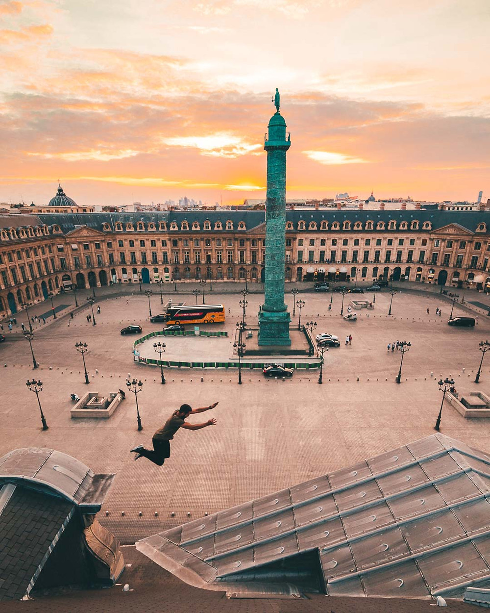 Saut de toits place Vendôme