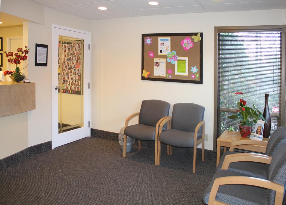 Reception Room-02.jpg