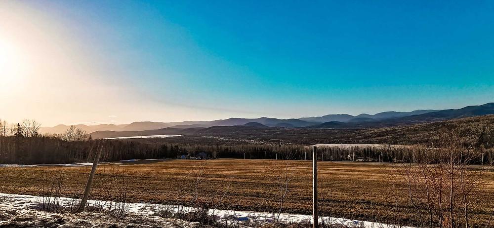Paysage montagneux dans Charlevoix, au Québec