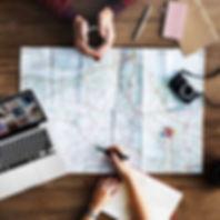 Planification voyage café ordinateur