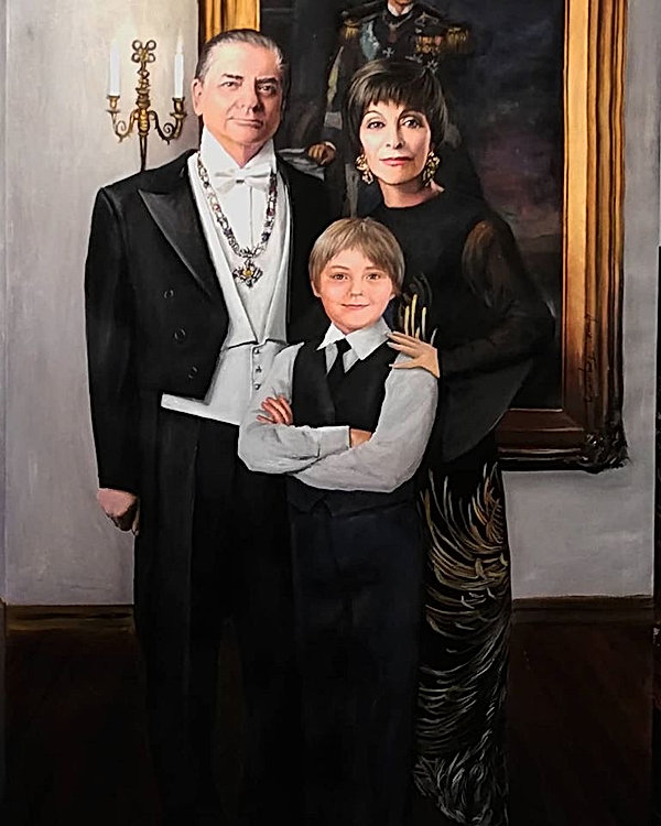 Romanian Royal Family Portrait.jpg