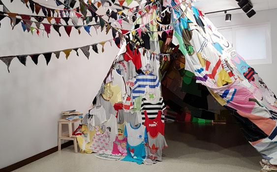 예술가의 텐트