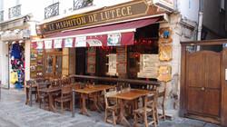 소르본느 대학가의 카페