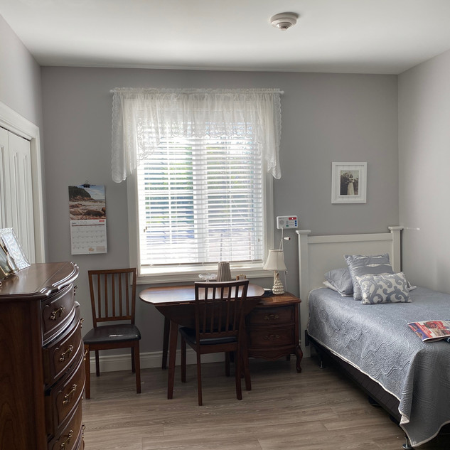 Room Ryan b.jpg