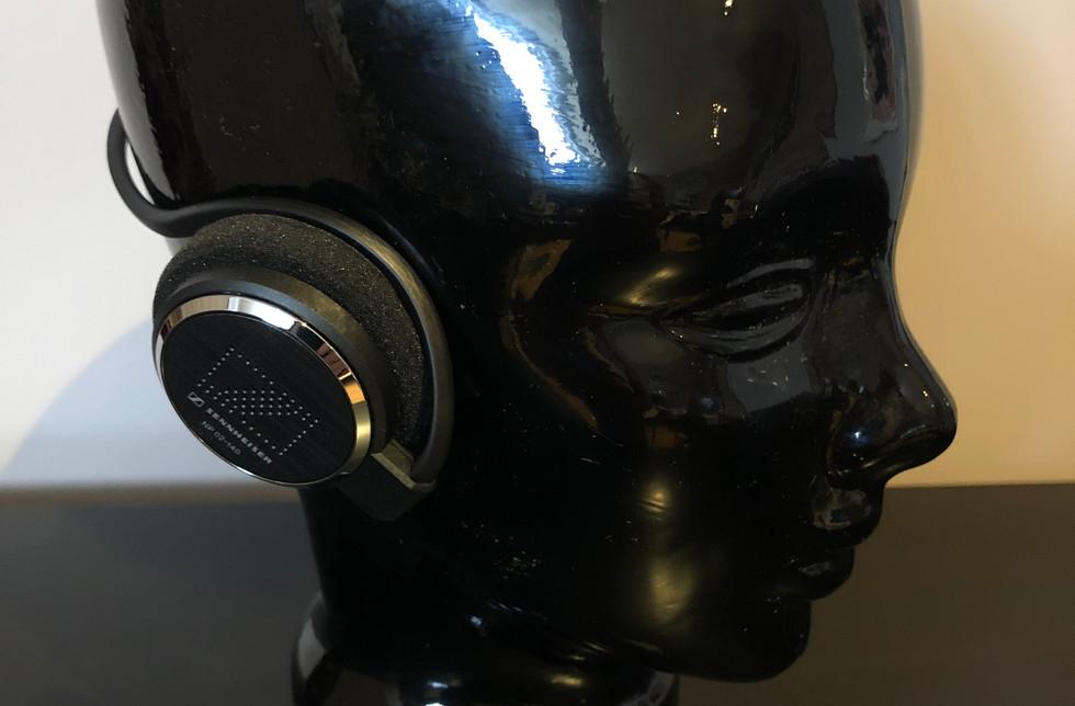Casque d'écoute semi-ouvert compatible avec le port du casque de protection
