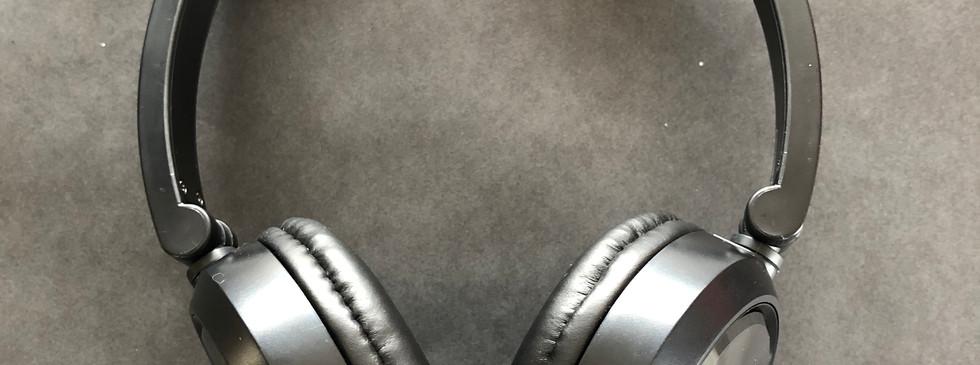 Casque d'écoute avec isolation modérée