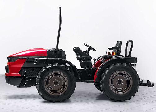 AGT1055-tractor-design-by-werkemotion-de