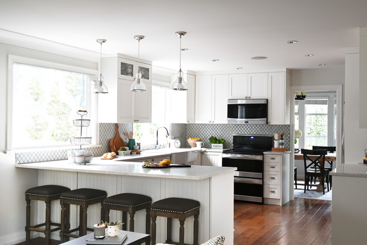 Kitchen counter with stools