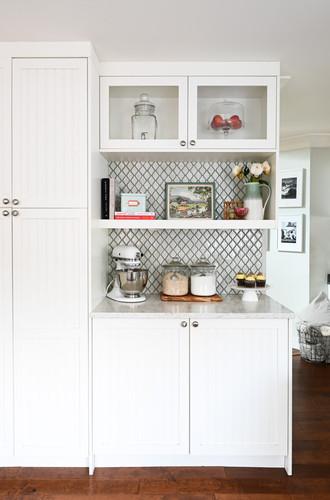 Open shelf in the kitchen