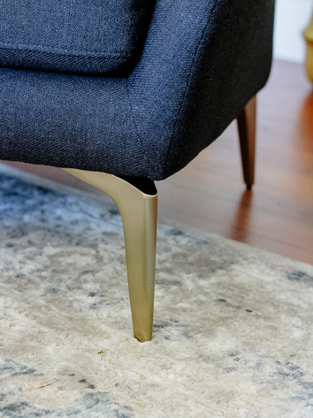 Alto chair legs.jpg