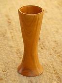 Vase tourné en cerisierH 12cm22frs.jpg
