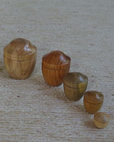 Boîtes gigognes tournées en séquoia, hêt