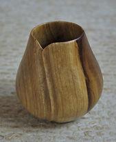 Vase tourné et sculpté en tulipierH 8cm