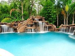 piscine lagon cascade unique en Bourgogne
